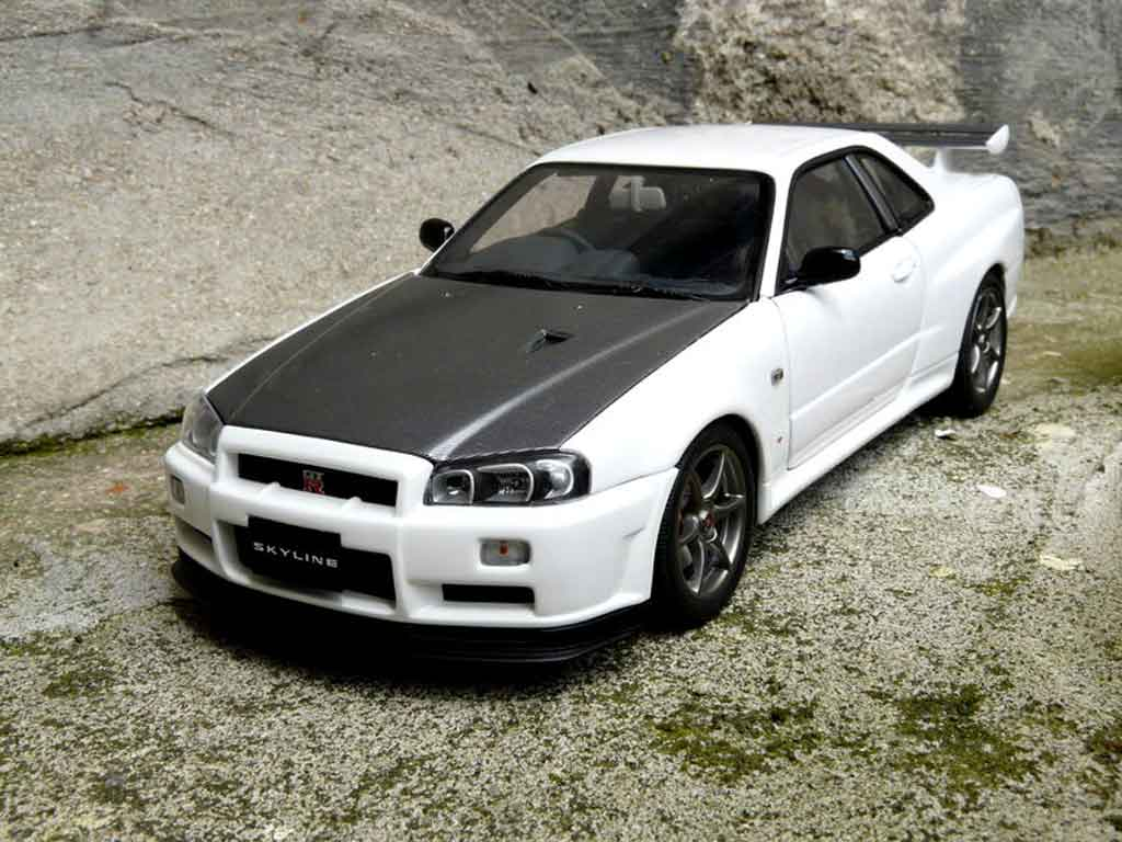 Nissan Skyline R34 1/18 Autoart blanche gn1 tuning miniature