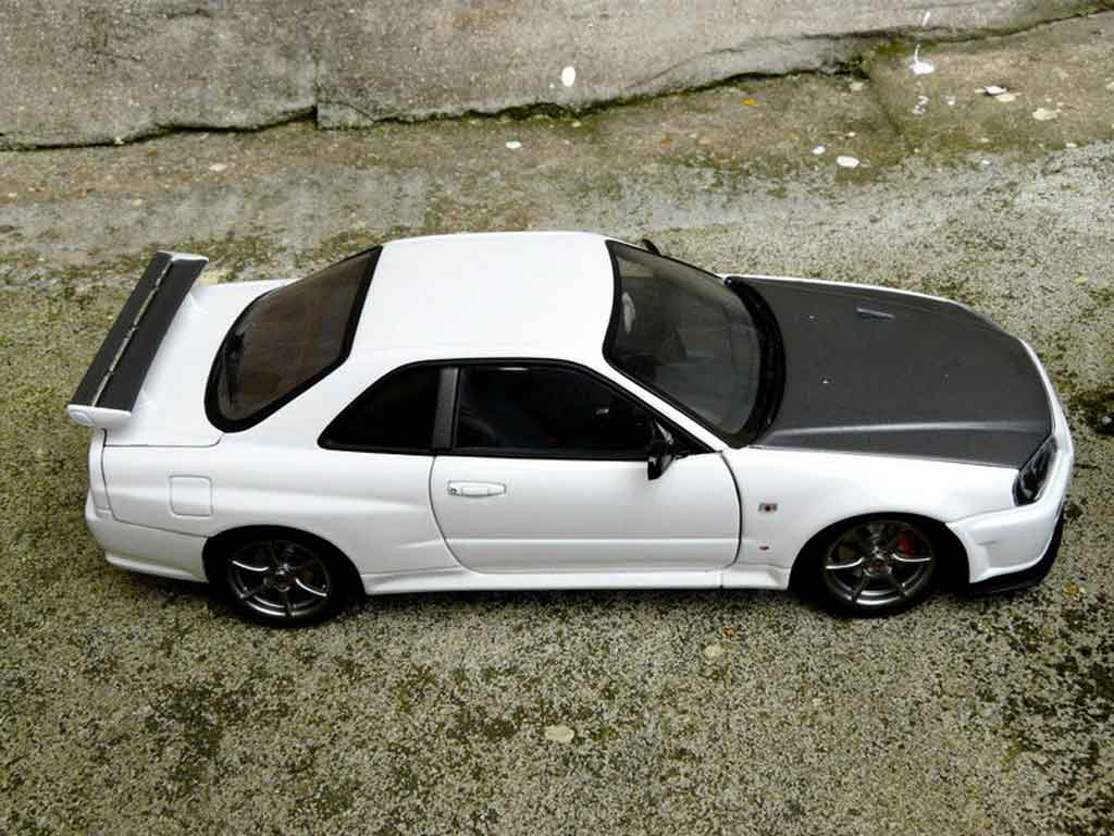 Voiture de collection Nissan Skyline R34 blanche gn1 tuning Autoart. Nissan Skyline R34 blanche gn1 miniature 1/18