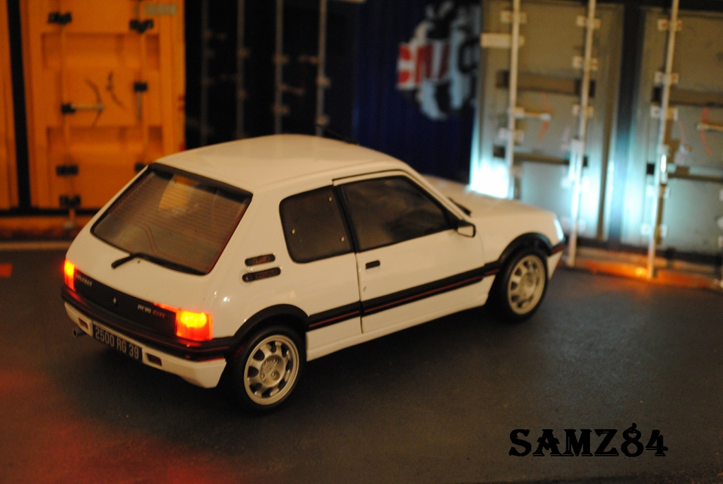 Peugeot 205 gti white 1 9 led norev diecast model car 1 18 for Housse 205 gti