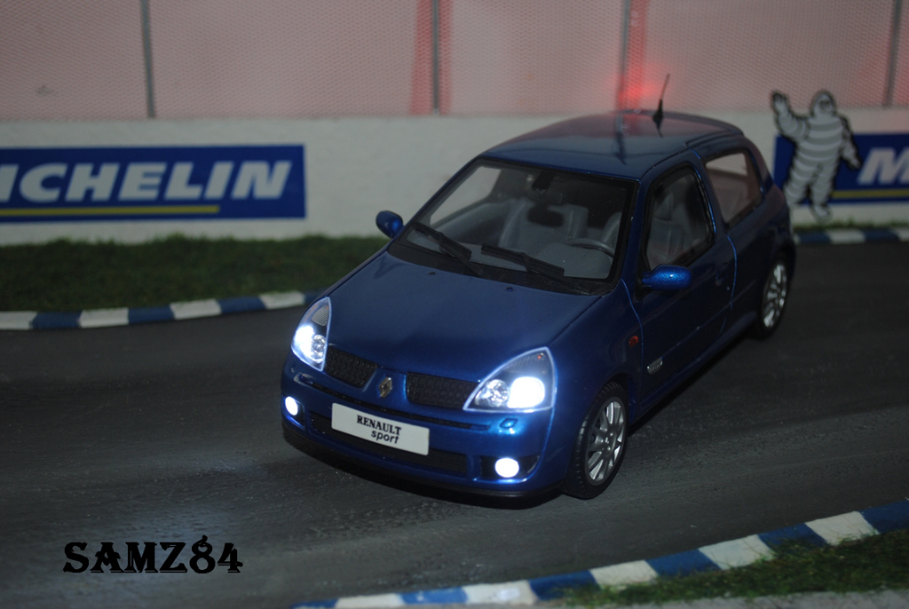 Renault Clio 2 RS 1/18 Ottomobile Ragnotti LED tuning miniature
