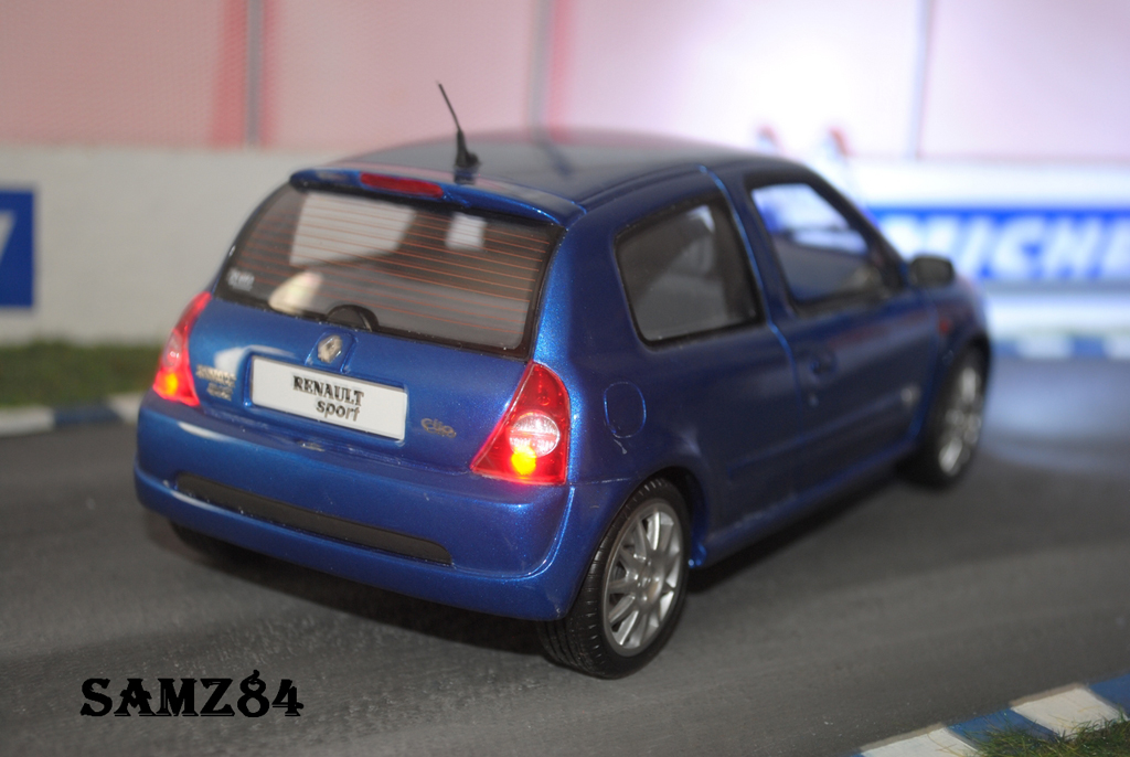 Renault Clio 2 RS 1/18 Ottomobile Ragnotti LED