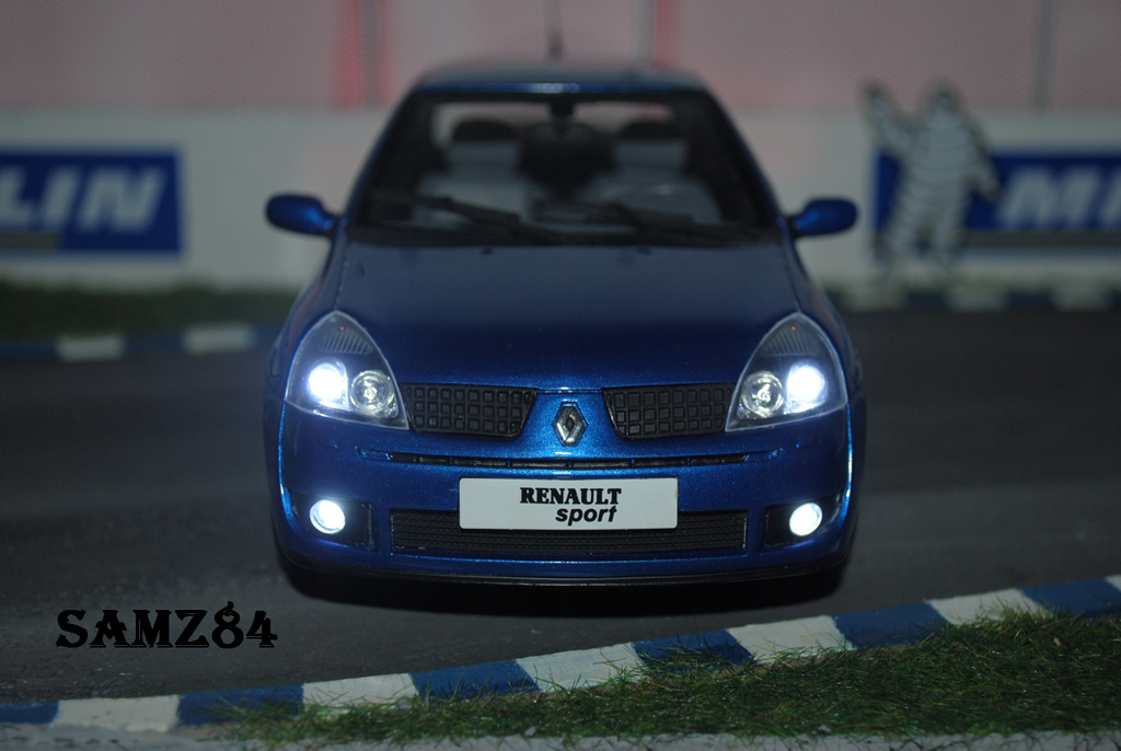 Renault Clio 2 RS Ragnotti LED Ottomobile diecast model car 1/18 - Buy/Sell D...