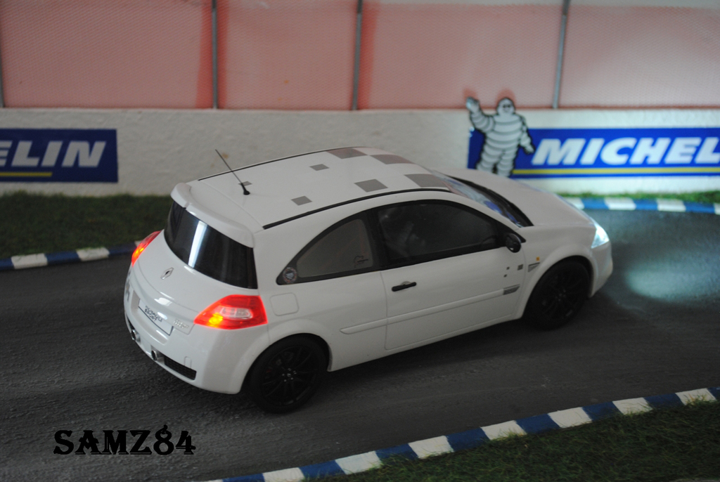 Renault Megane R26R 1/18 Ottomobile weiss Safety Car LED