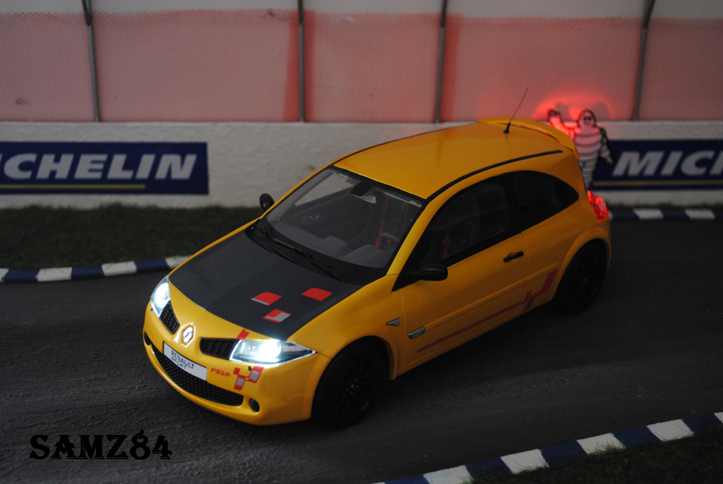 Renault Megane R26R 1/18 Ottomobile Jaune Sirius LED tuning diecast model cars