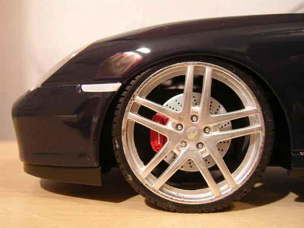 porsche 996 cabriolet miniature noire jantes f430 maisto 1. Black Bedroom Furniture Sets. Home Design Ideas