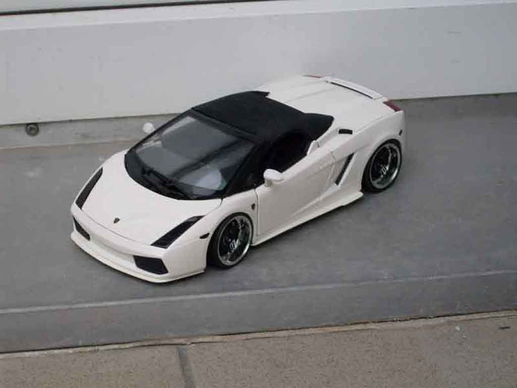 Lamborghini Gallardo Spyder blanche tuning Maisto. Lamborghini Gallardo Spyder blanche miniature auto miniature 1/18