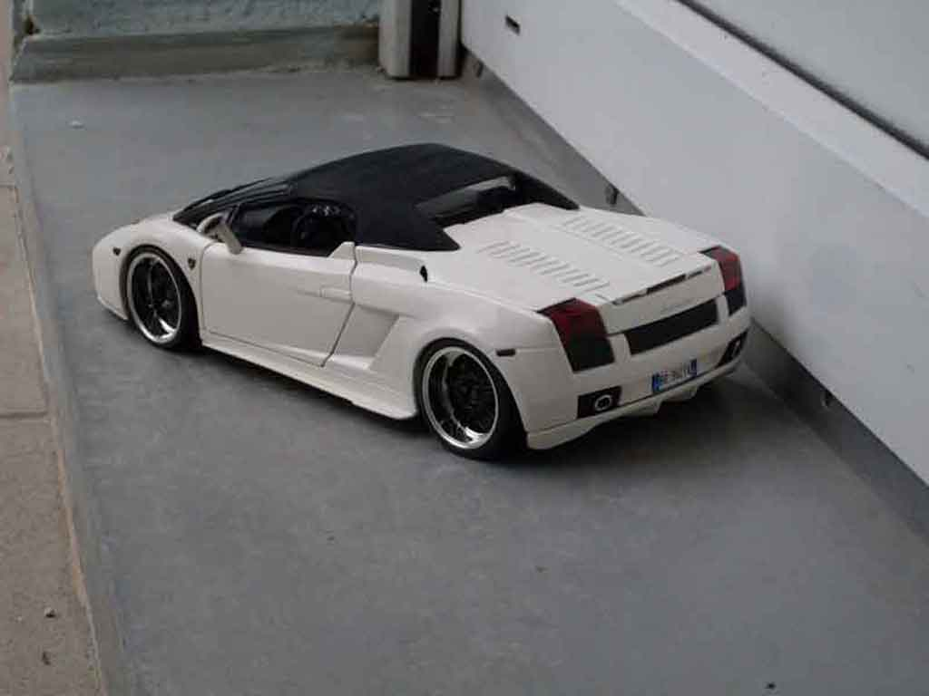 Lamborghini Gallardo Spyder White Maisto Diecast Model Car 1 18