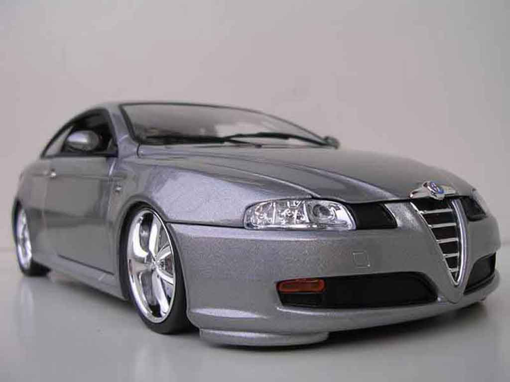 Alfa Romeo GT 1/18 Welly grey jantes chromees 17 pouces tuning diecast model cars