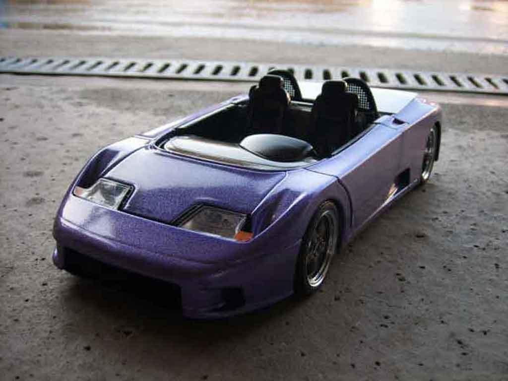 Bugatti EB110 1/18 Burago barquette bleue tuning miniature
