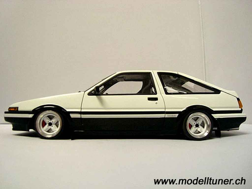 Toyota Trueno 1/18 Autoart preparation drift