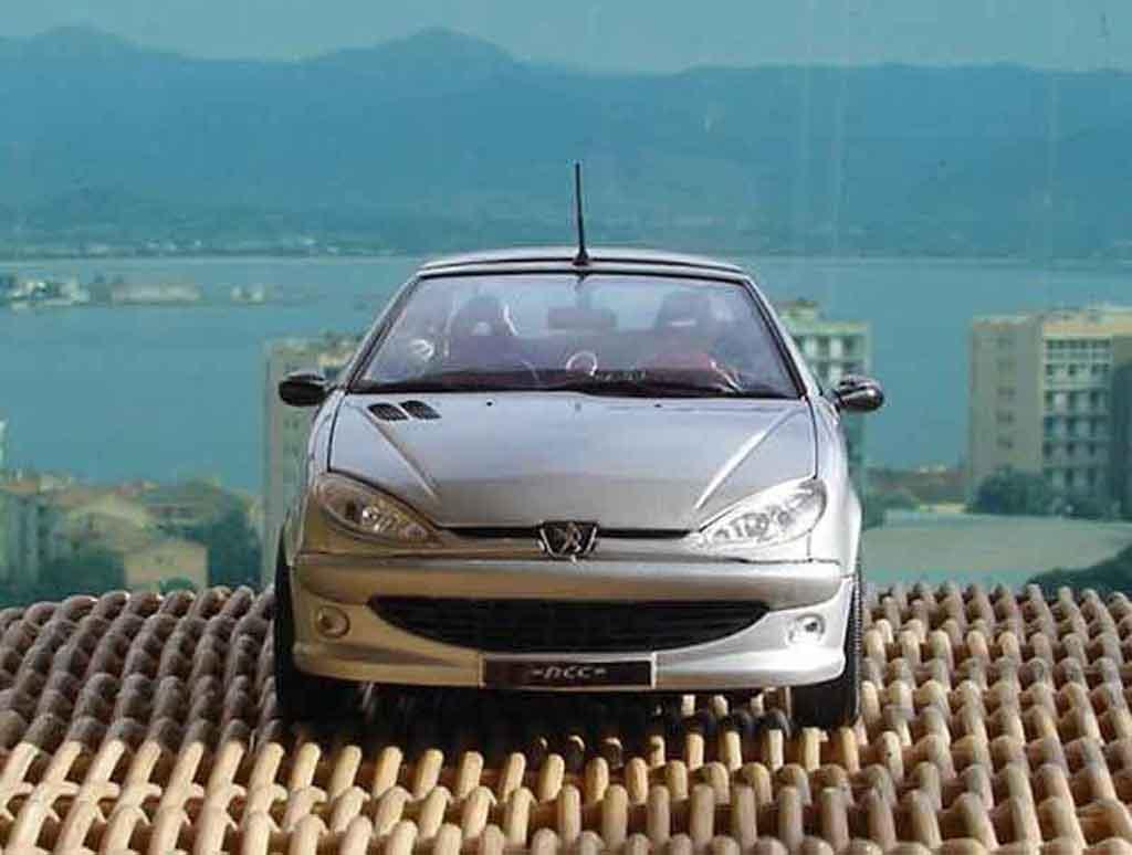 Peugeot 206 CC 1/18 Solido rc