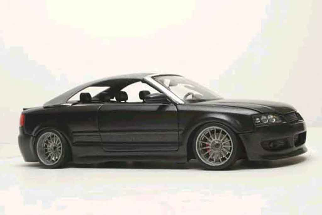 Audi A4 cabriolet 1/18 Welly v6 3l german look nero