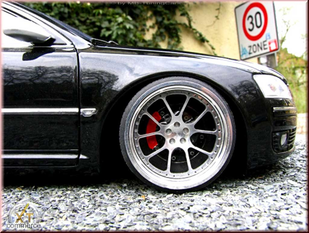 Audi A8 1/18 Kyosho schwarz jantes 20 pouces