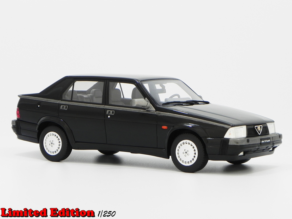 Alfa Romeo 75 1/18 Laudoracing Models 1.8 TURBO Q.V. LM087A noire miniature