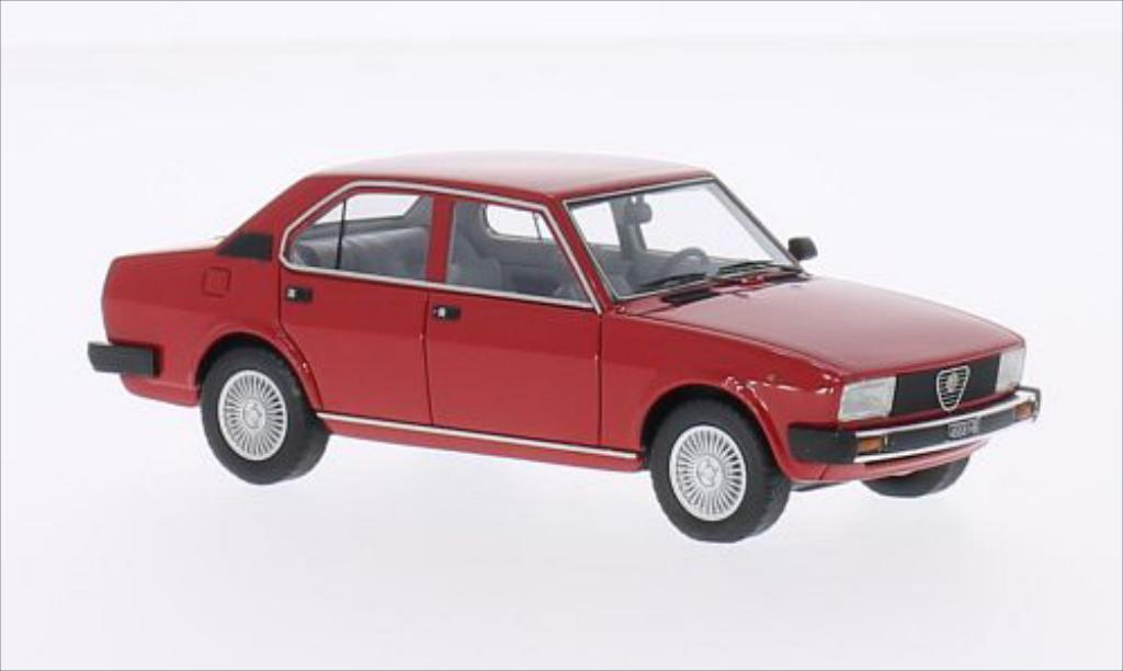alfa romeo alfetta miniature 2000 rouge 1980 neo 1 43 voiture. Black Bedroom Furniture Sets. Home Design Ideas