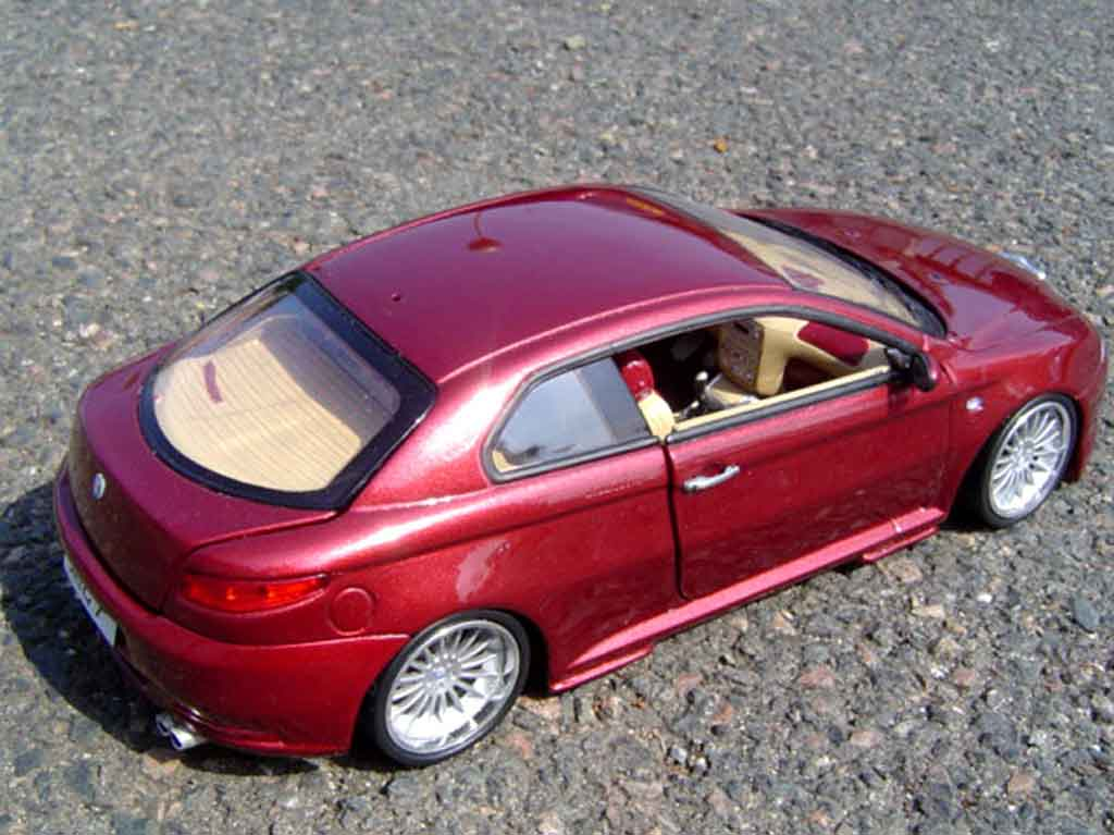 Alfa Romeo GT 1/18 Welly gturismo