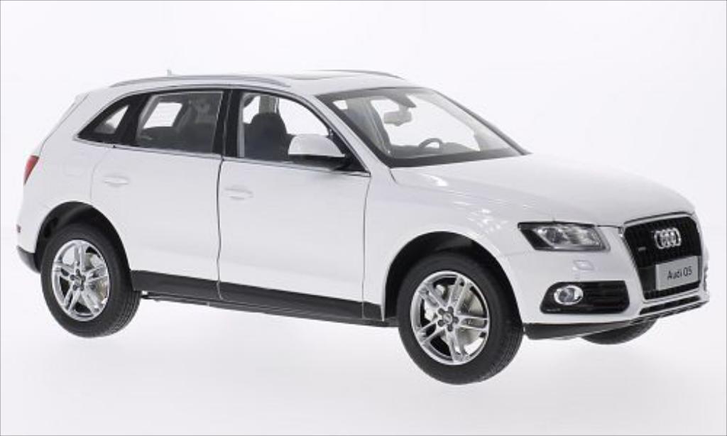 Audi Q5 1/18 Paudi blanche 2014 miniature