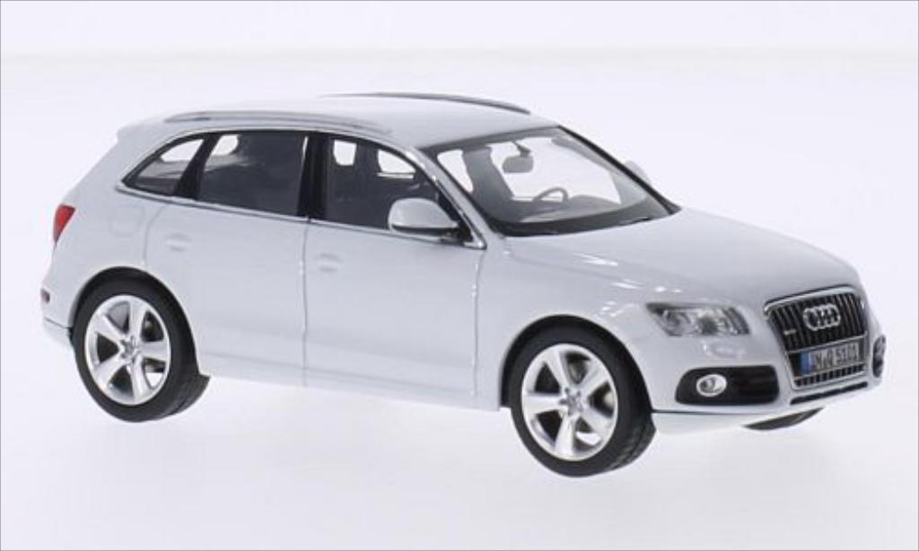 Miniature Audi Q5 blanche Schuco. Audi Q5 blanche miniature 1/43
