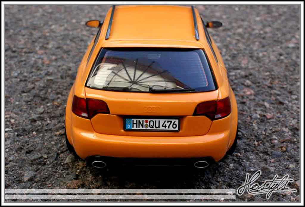 Audi RS4 1/18 Minichamps avant orange papaye