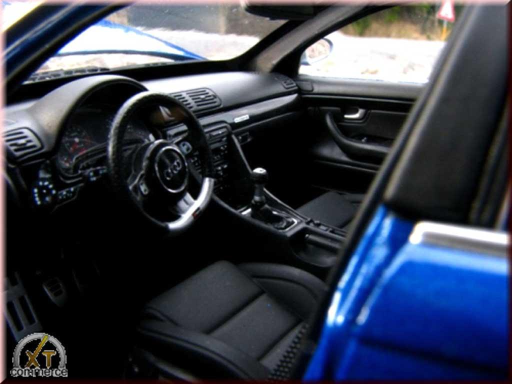 Audi RS4 1/18 Minichamps bleu kit suspension rabaissee