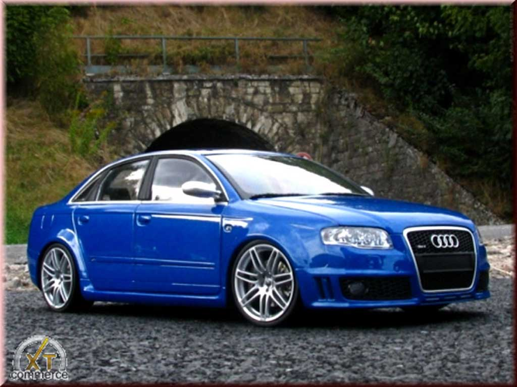 Audi Rs4 Blu Kit Suspension Rabaissee Minichamps Modellini