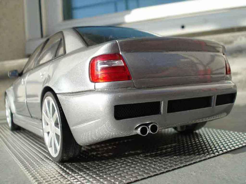 Audi S4 1/18 Ut Models v6 bi-turbo grey jantes 18 pouces