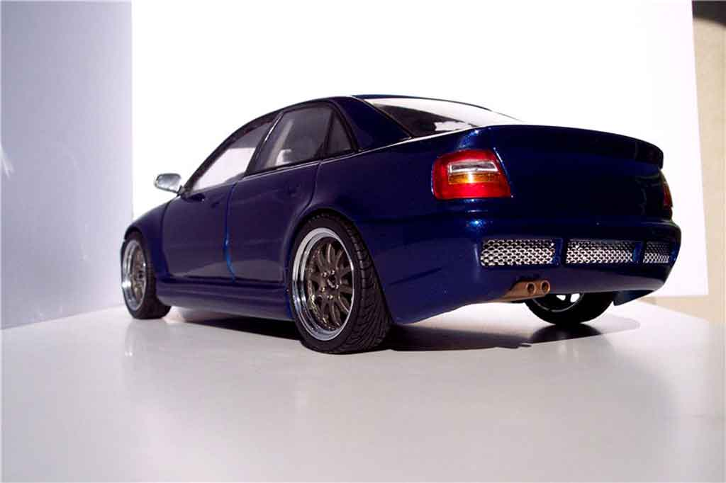Audi S4 1/18 Ut Models kit rs4 bleue jantes kinesis tuning miniature