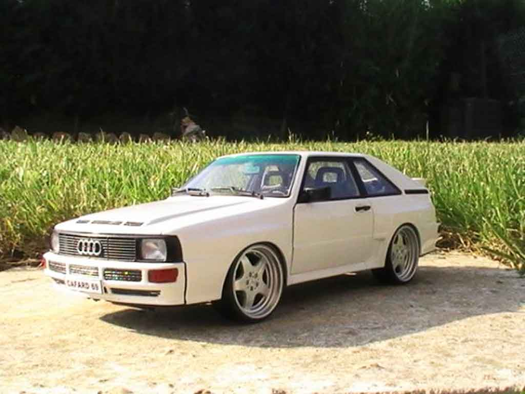 Audi Sport Quattro 1/18 Autoart white jantes amg en 17 pouces entierement en alu