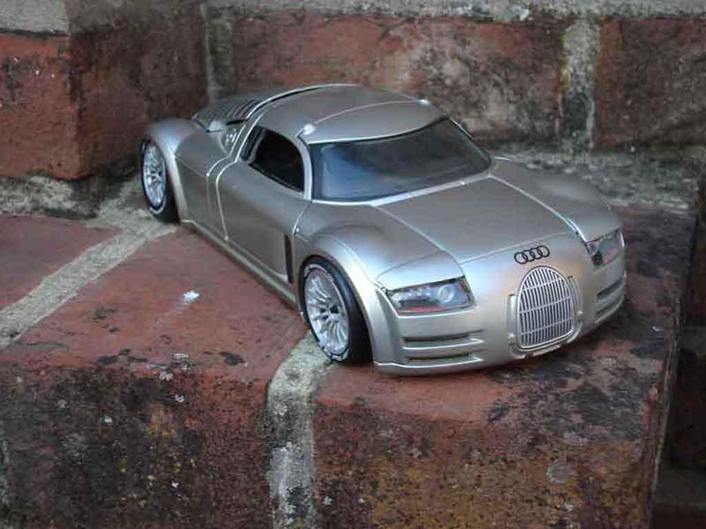 Audi Supersportwagen 1/18 Maisto pinkmeyer