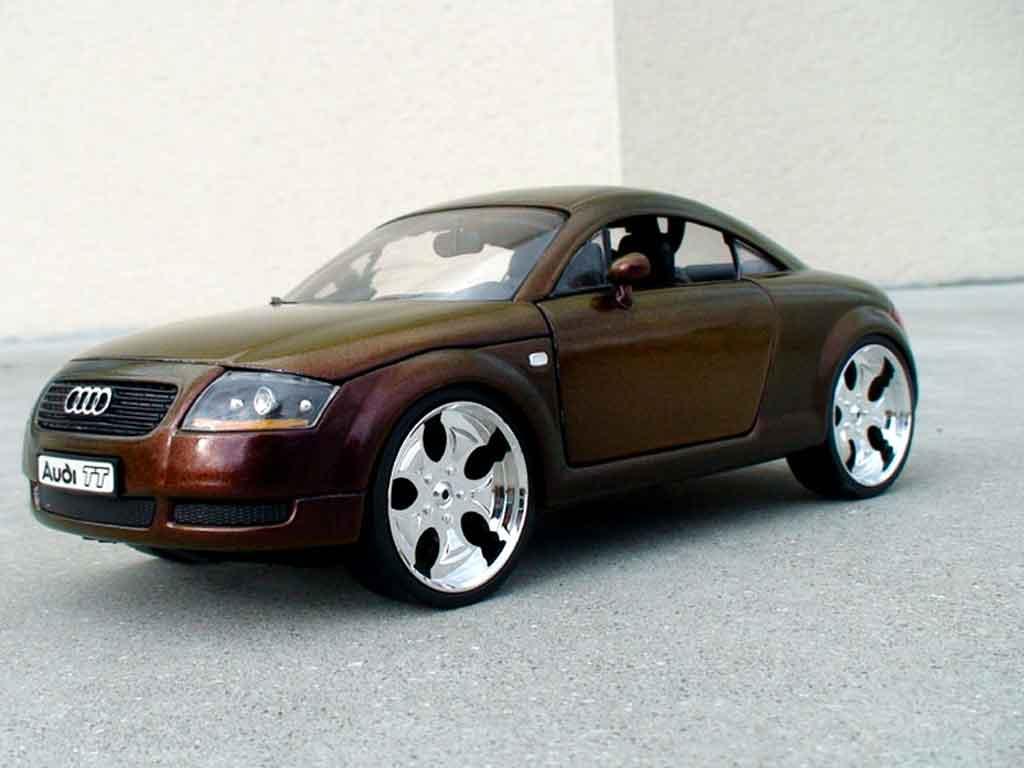Audi TT coupe 1/18 Revell firefly peinture cameleon tuning miniature