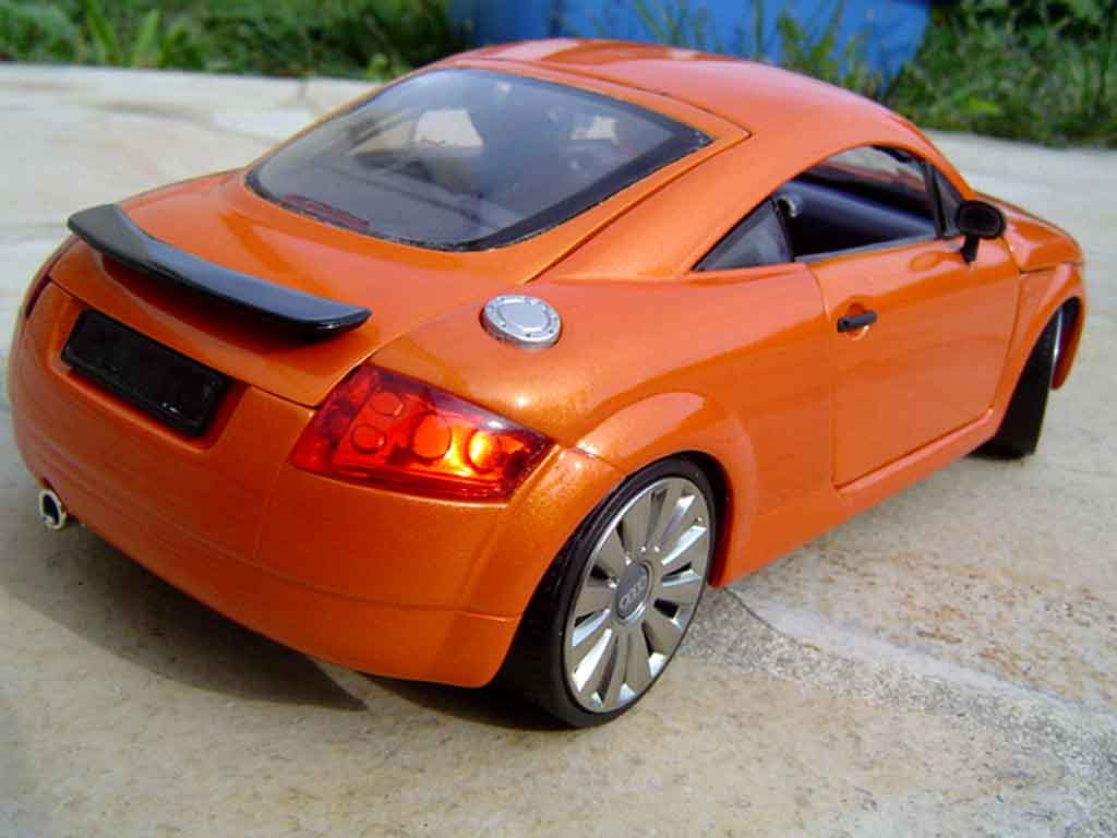 Audi TT coupe 1/18 Revell jantes audi a8 naranja lamborghini