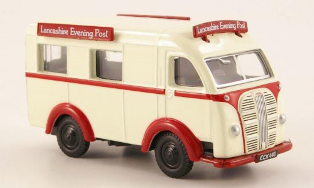Austin K8 1/76 Oxford Threeway Van Lancashire Evening Post miniature