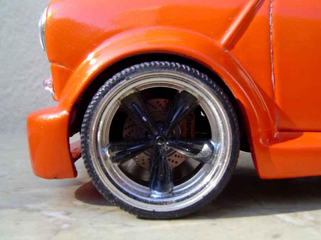 Austin Mini Cooper 1/18 Burago kit carrosserie et jantes 13 pouces