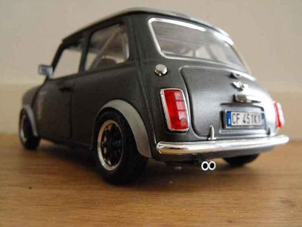 austin mini cooper miniature 1969 preparation course burago 1 18 voiture. Black Bedroom Furniture Sets. Home Design Ideas