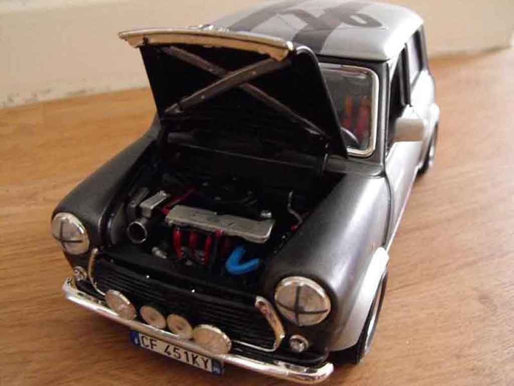 austin mini cooper miniature 1969 preparation course burago 1 18 voiture. Black Bedroom Furniture Sets. Home Design Ideas