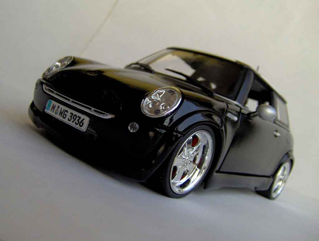 Mini Cooper D 1/18 Maisto west coast choppers tuning miniature