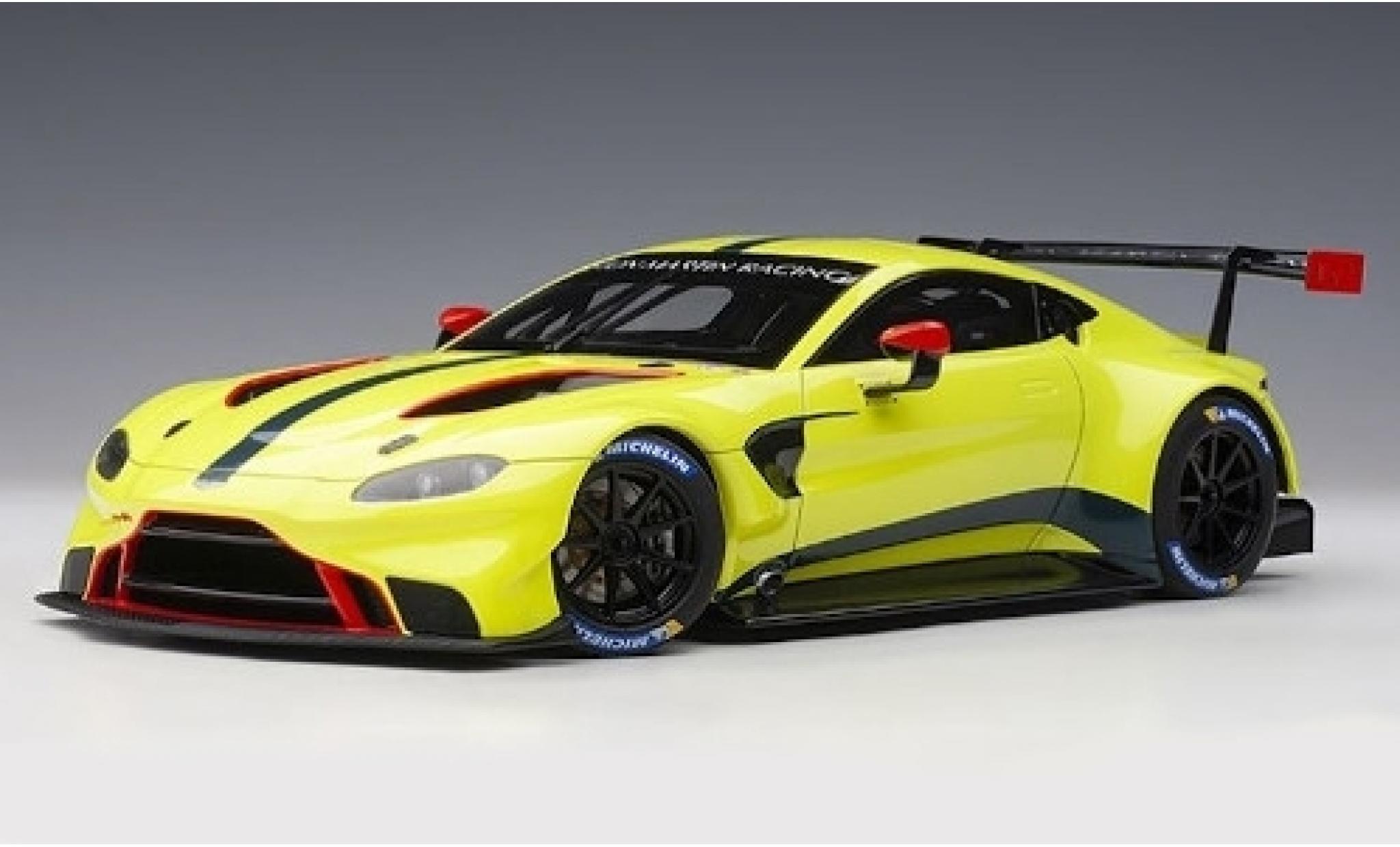 Aston Martin Vantage 1/18 AUTOart GTE Le Mans Pro verte Racing 2018 Plain Body Version