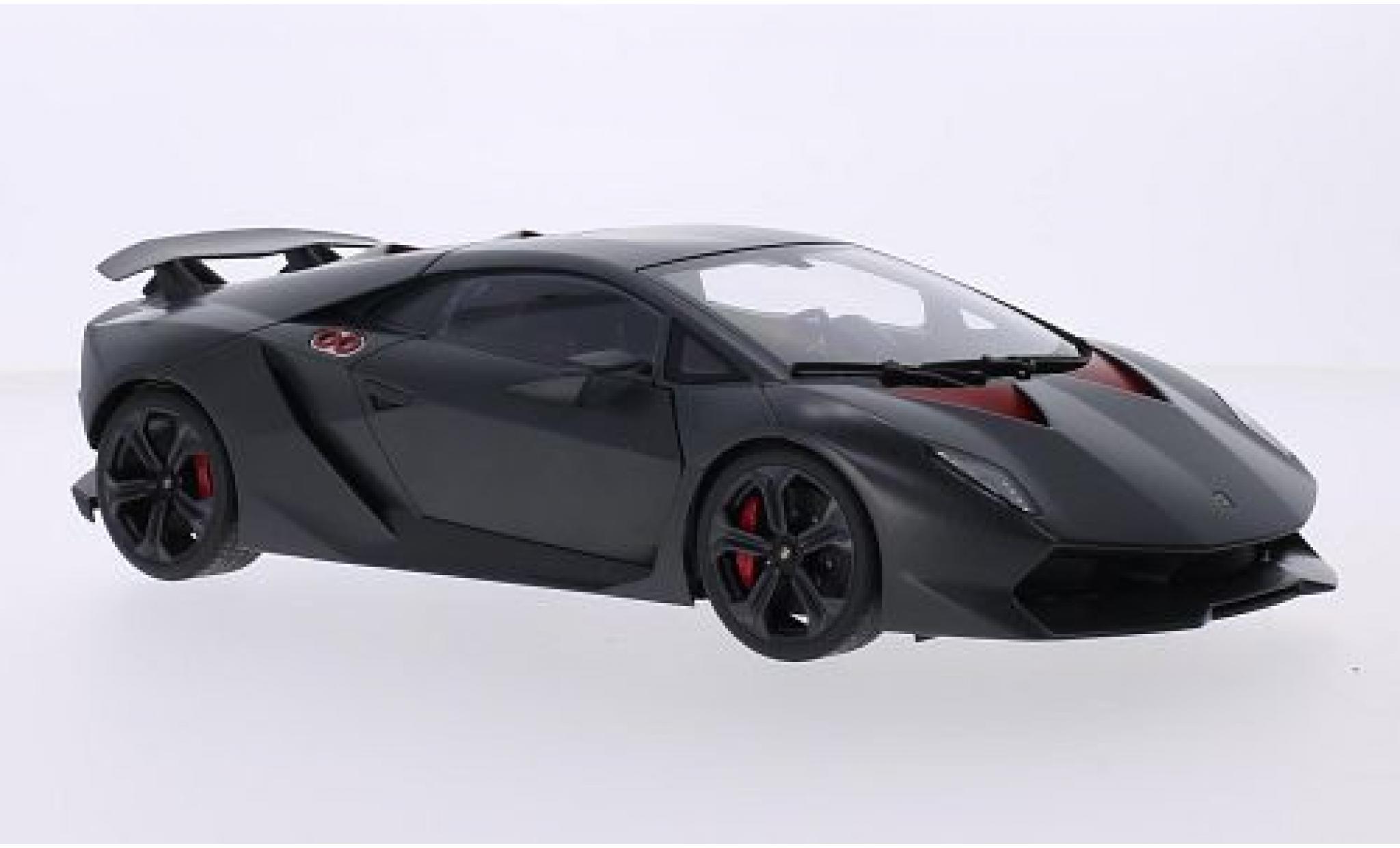Lamborghini Sesto Elemento 1/18 AUTOart matt-grise/carbon 2010