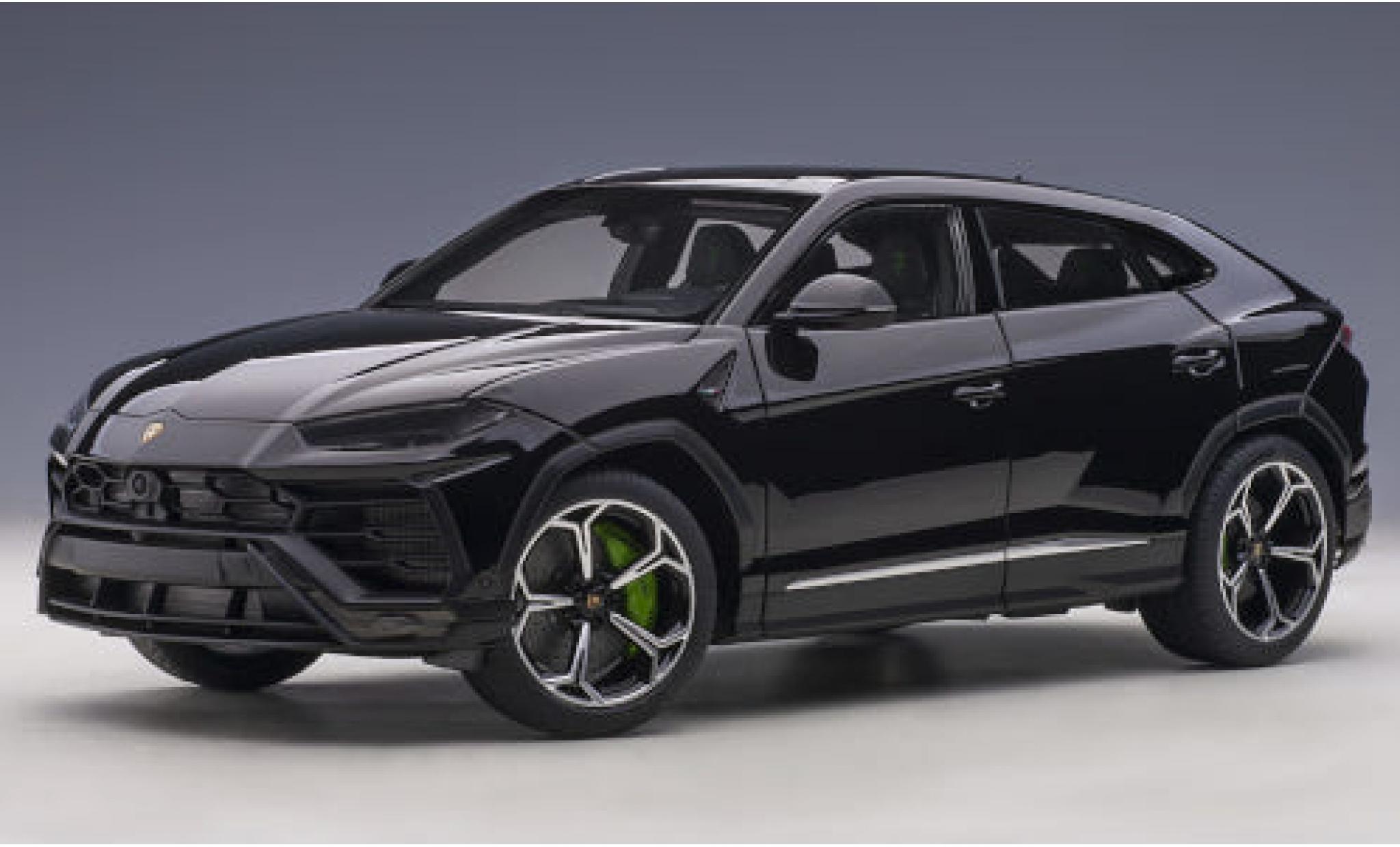 Lamborghini Urus 1/18 AUTOart black 2018