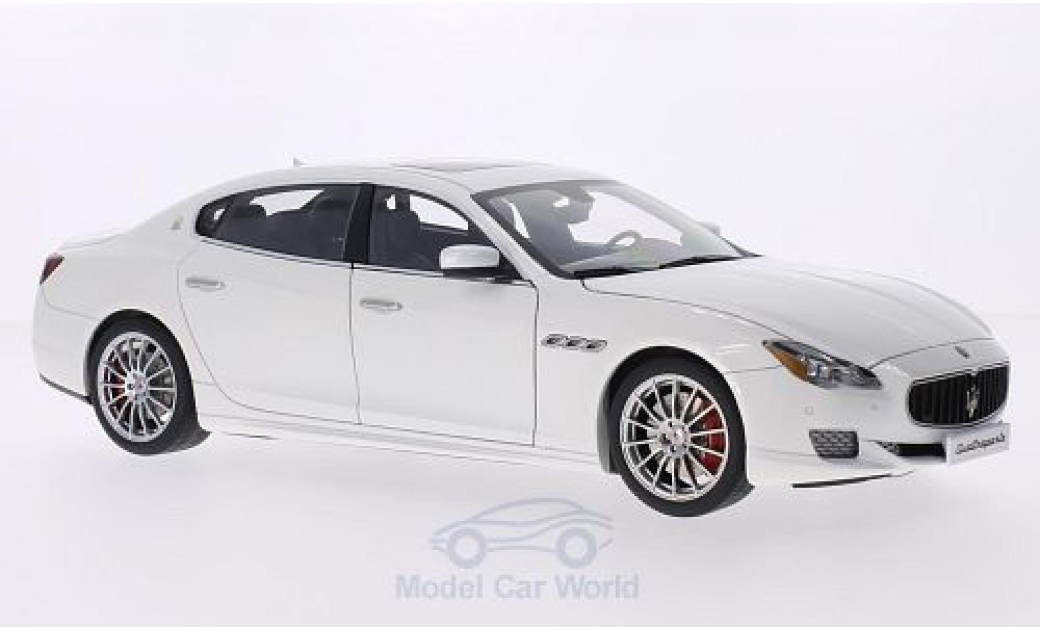 Maserati Quattroporte 1/18 AUTOart GTS metallic-white 2015