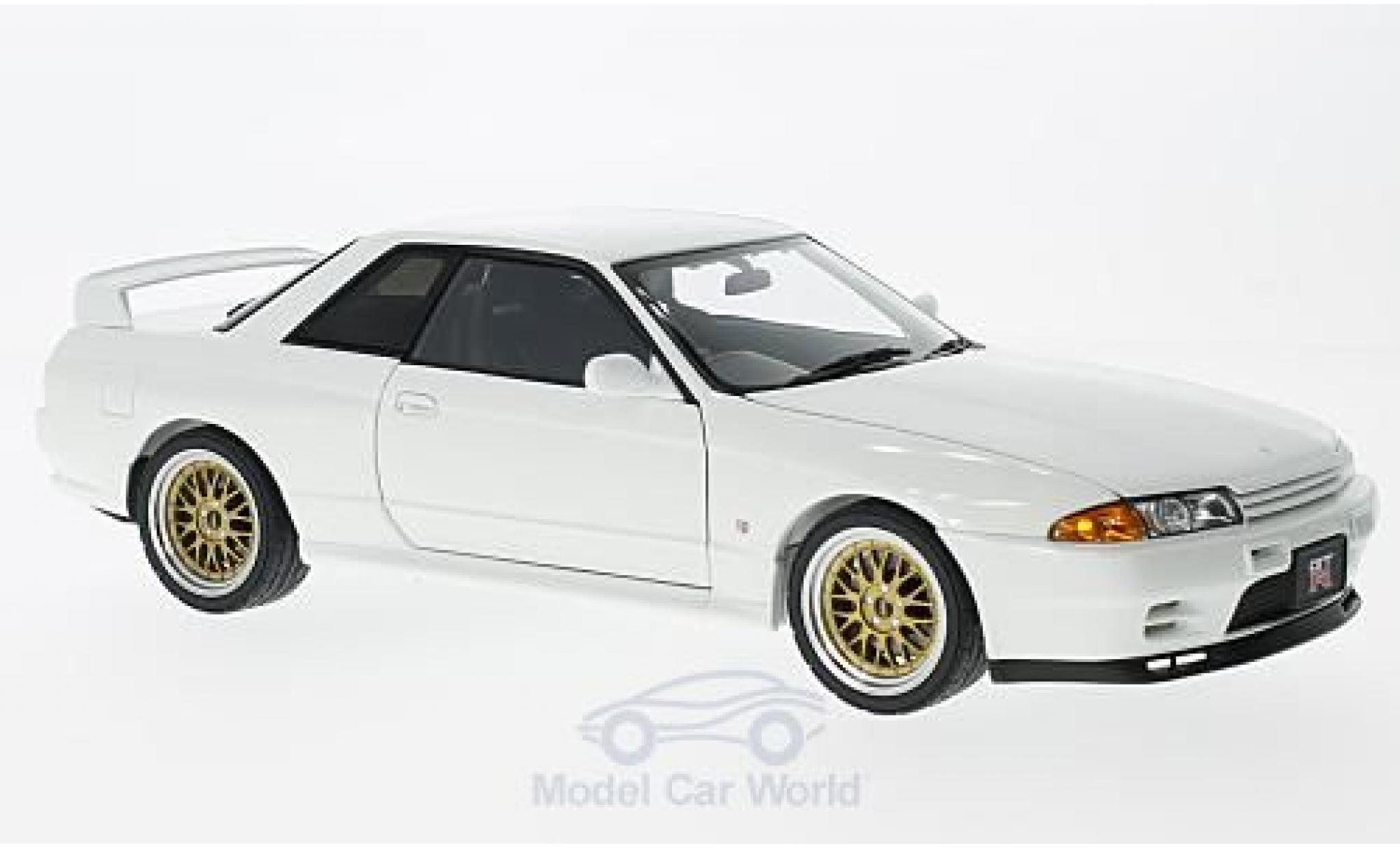 Nissan Skyline 1/18 AUTOart GT-R (R32) V-Spec II blanche RHD 1991 Tuned Version