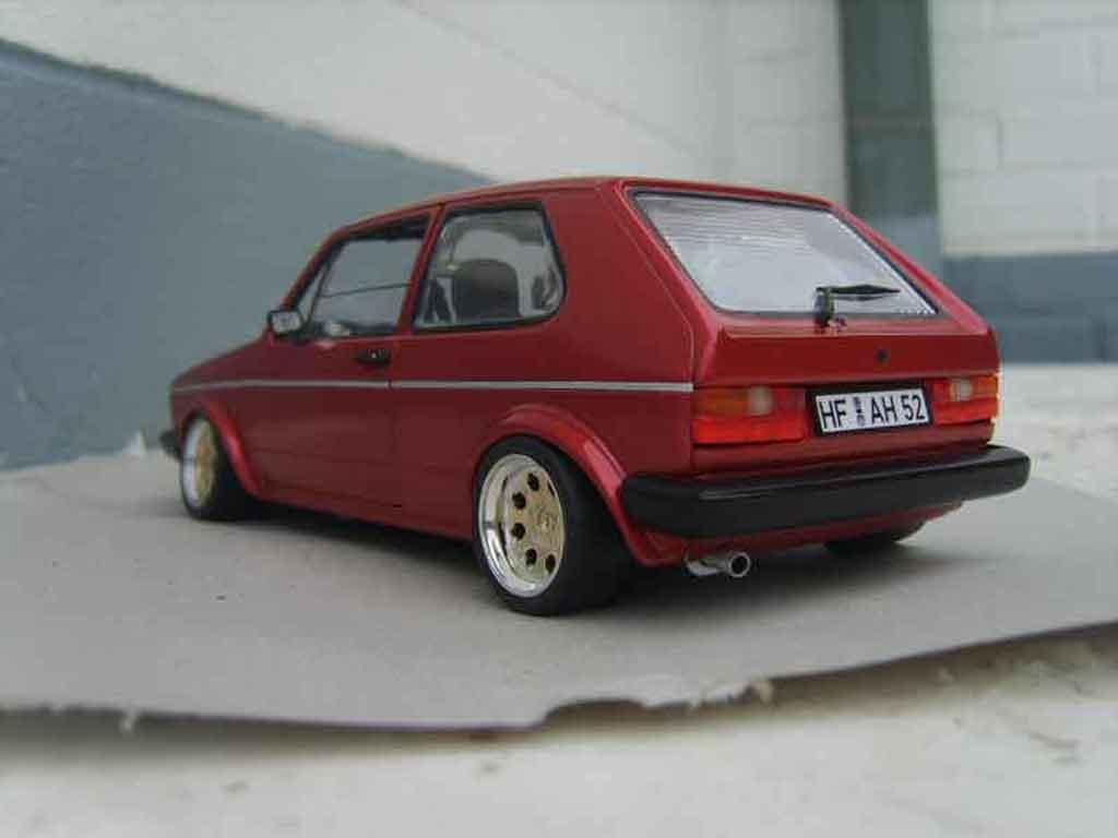 Auto miniature Volkswagen Golf 1 GTI rouge mk1 1982 grands feux tuning Solido. Volkswagen Golf 1 GTI rouge mk1 1982 grands feux miniature 1/18
