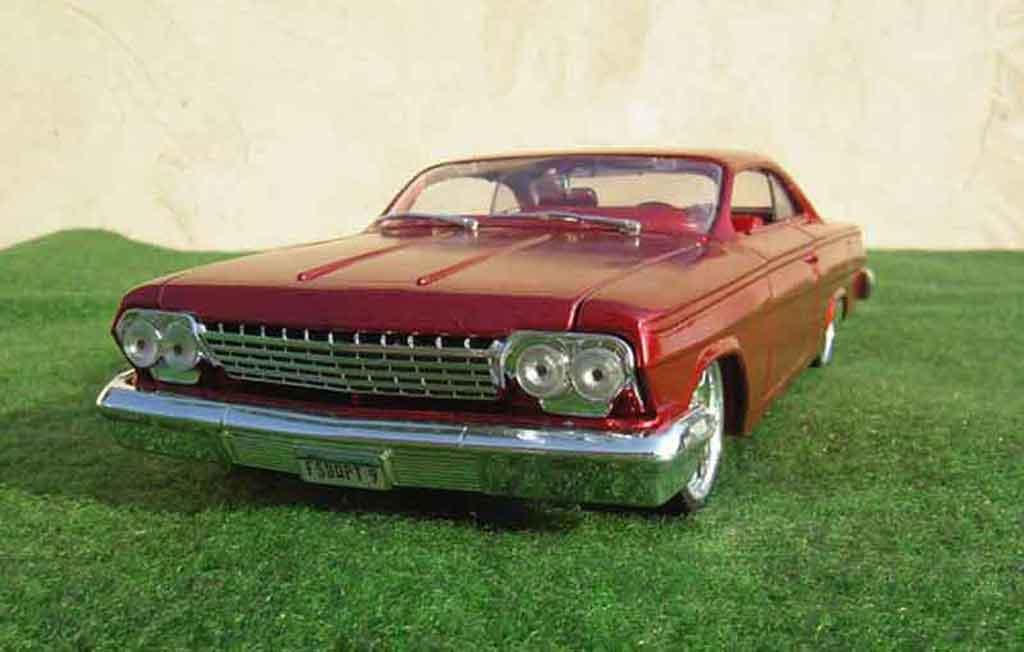 Chevrolet Bel Air 1962 1/18 Maisto low rider wolverine-marvel