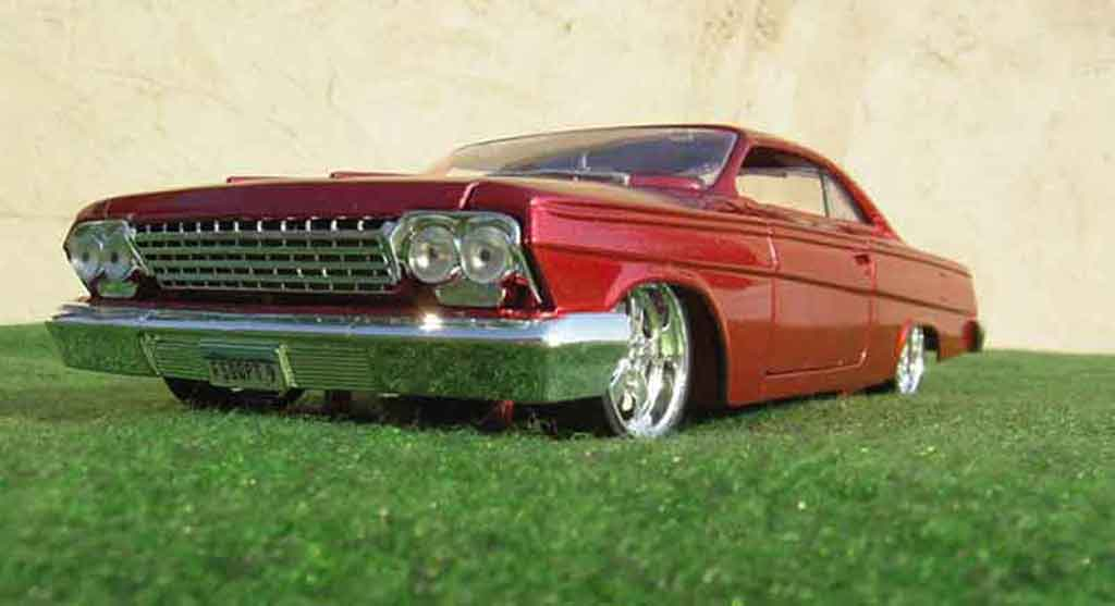 Chevrolet Bel Air 1962 1/18 Maisto low rider wolverine-marvel tuning miniature