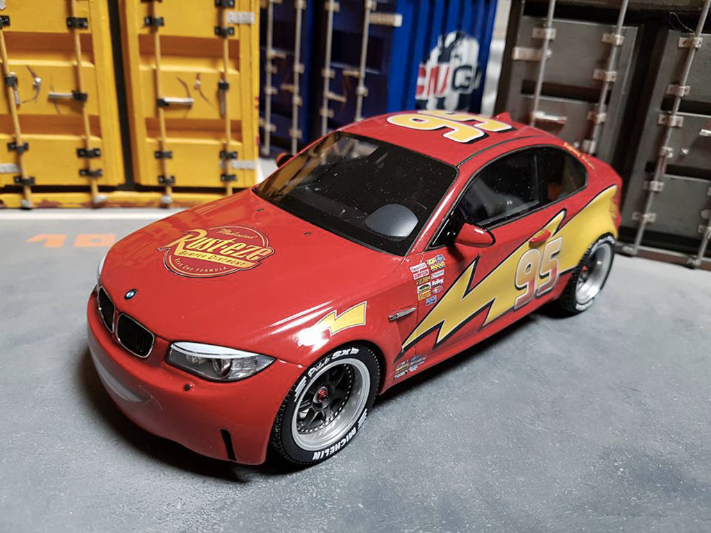 Voiture de collection Bmw 1M Flash McQueen tuning GT Spirit. Bmw 1M Flash McQueen miniature 1/18