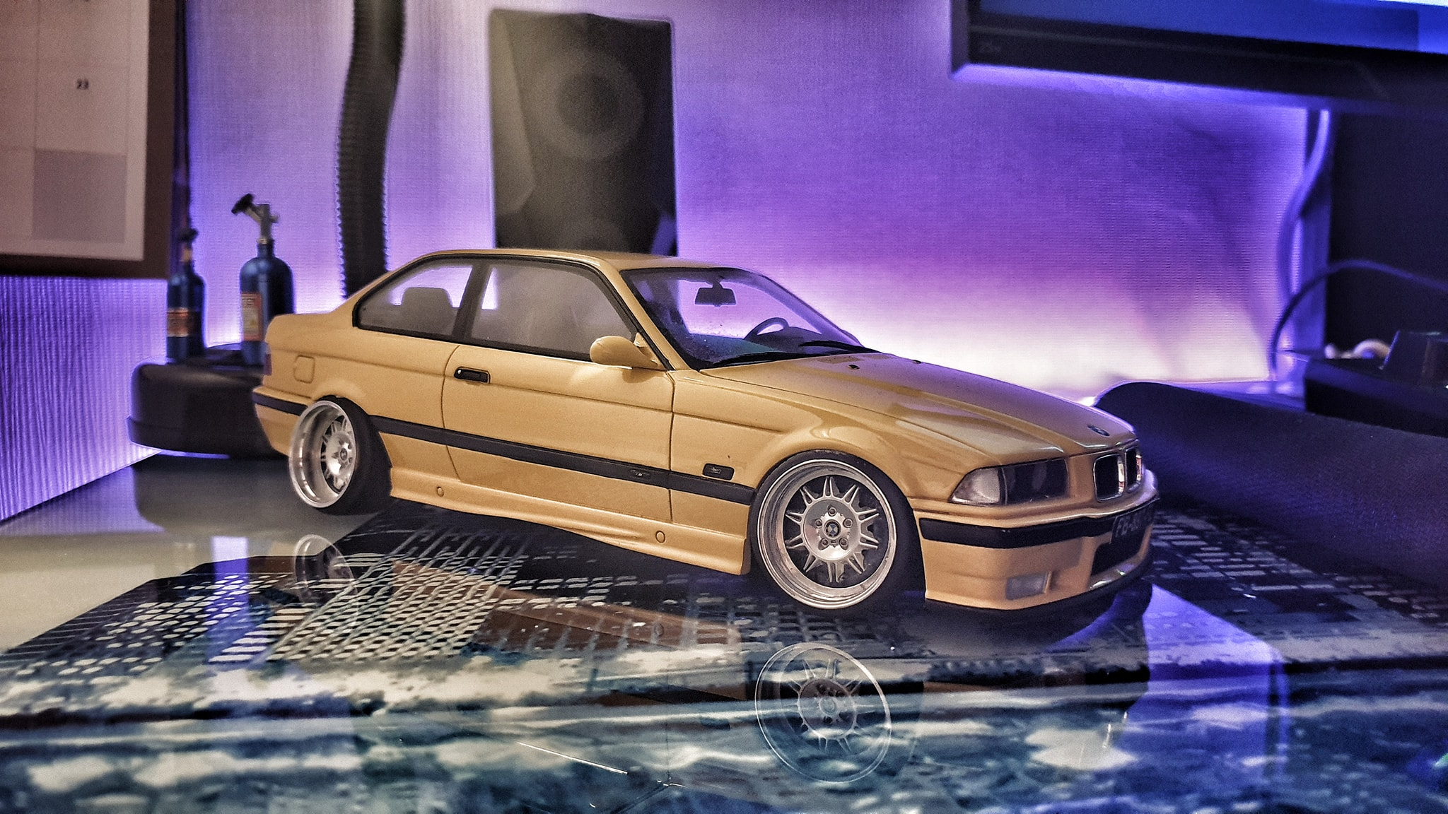 Bmw M3 E36 1/18 Ottomobile jaune jantes a deport tuning miniature
