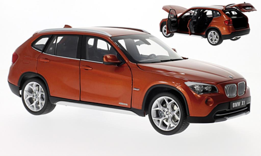 bmw x1 e84 miniature xdrive 28i orange kyosho 1 18 voiture. Black Bedroom Furniture Sets. Home Design Ideas