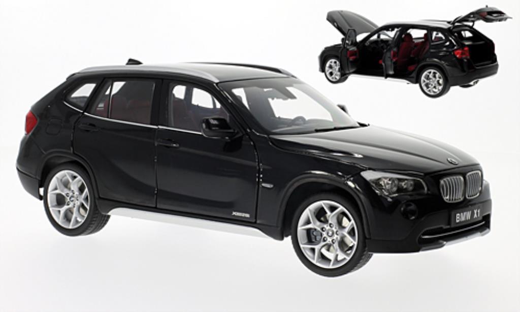 bmw x1 xdrive 28i e84 schwarz kyosho modellauto 1 18 kaufen verkauf modellauto online. Black Bedroom Furniture Sets. Home Design Ideas
