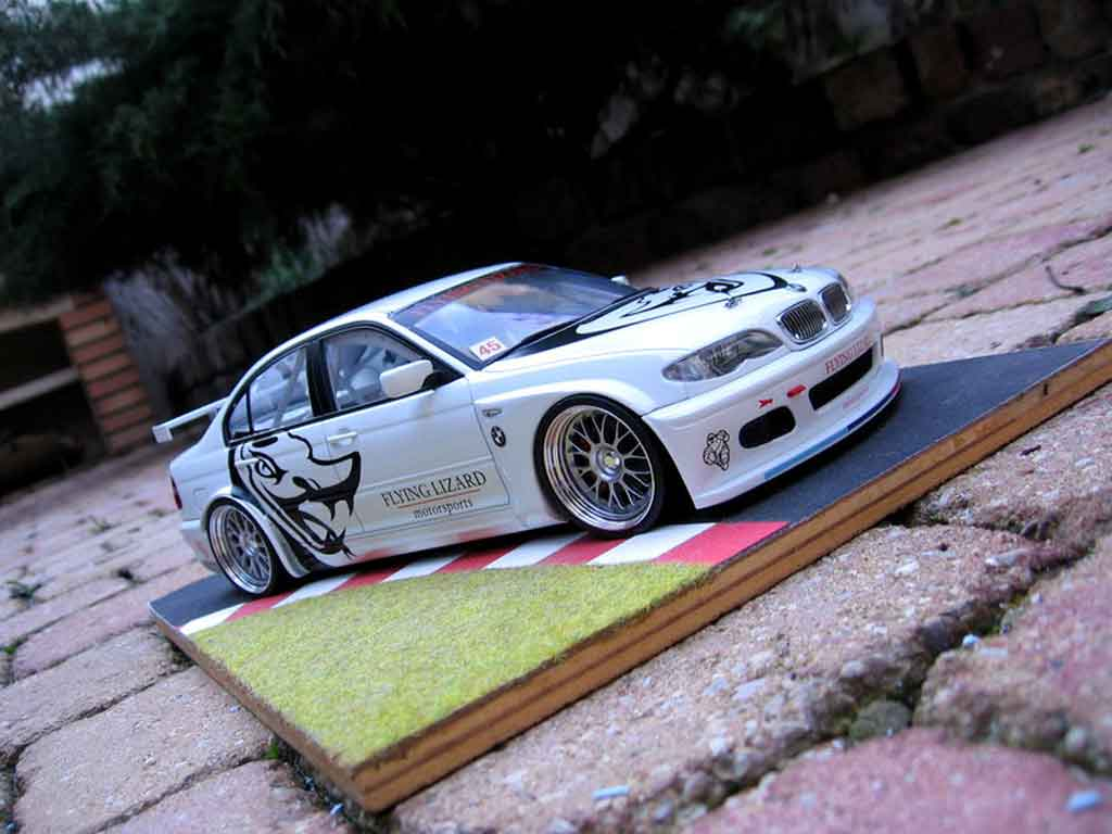 Bmw 320 E46 flying lizard tuning Autoart. Bmw 320 E46 flying lizard miniature 1/18
