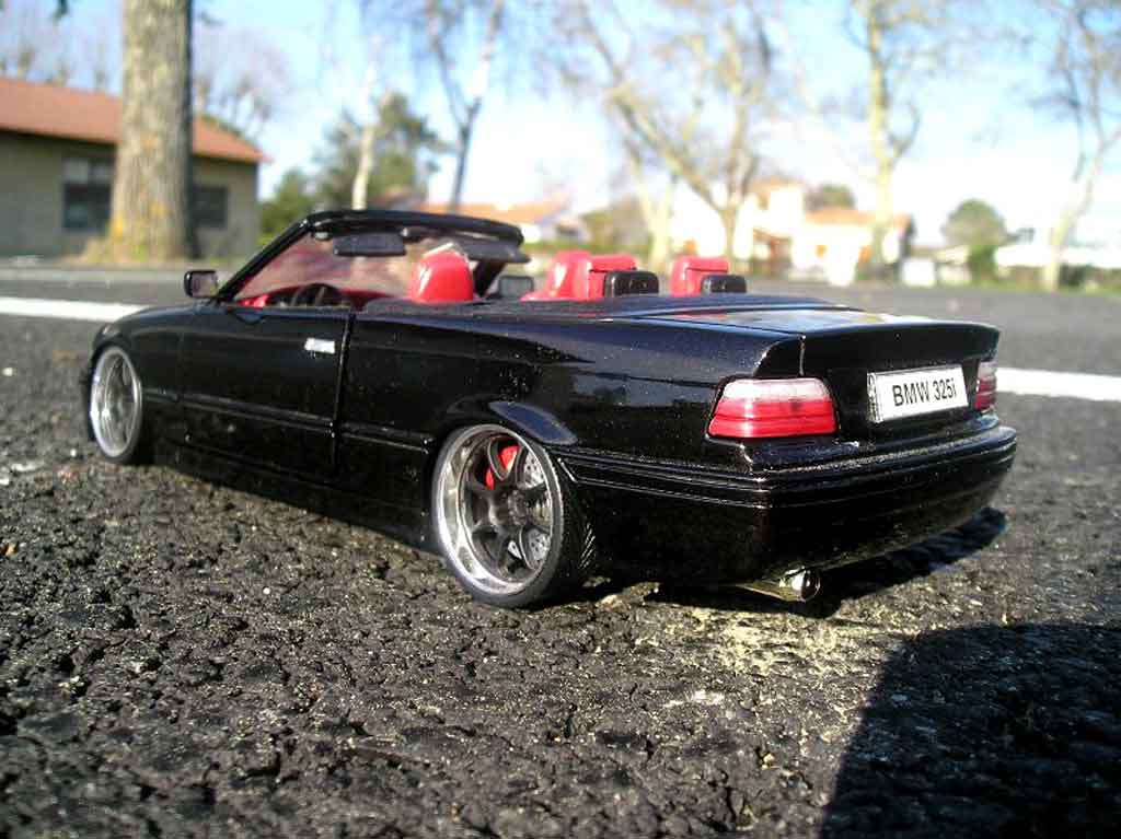 Bmw 325 E36 1/18 Maisto cabriolet black interieur cuir red jantes blacks bords chromes